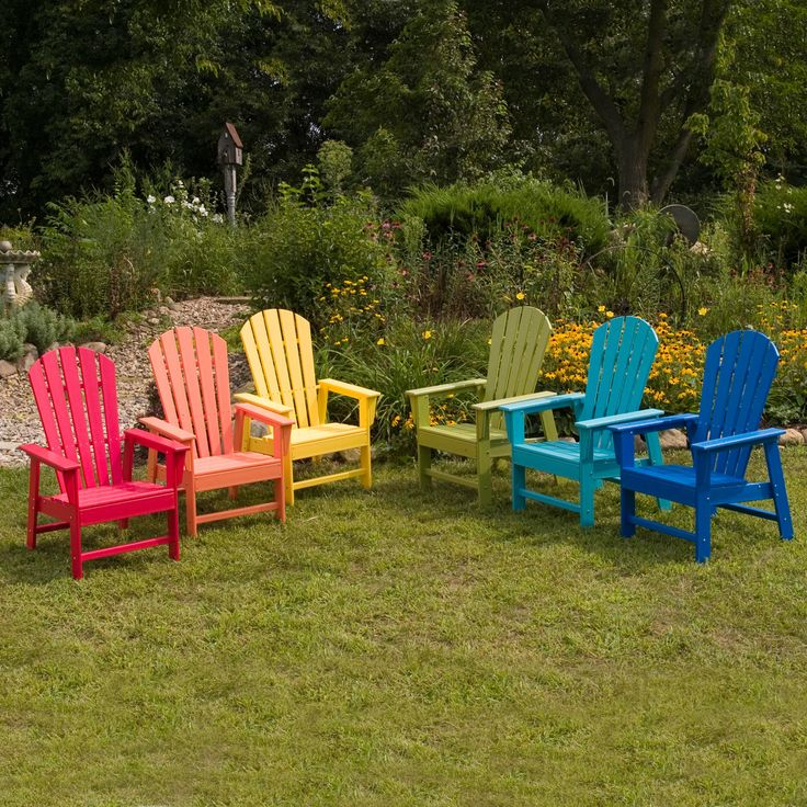 06-Use Recycled Plastic Patio Furniture to Conserve the Environment